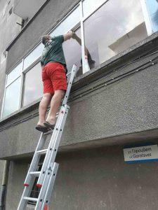 Почистване на дограма и стъкла след ремонт в кв. Захарна Фабрика, Пловдив