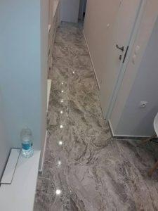 Почистен коридор в апартамент в Марица Гарданс в Пловдив.