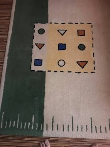Изпран килим на бул. 6 Септември.