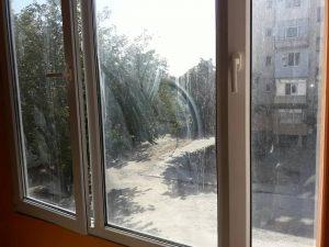 Прозорци преди почистване на бул. 6 Септември.