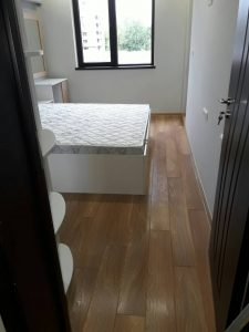 Спалня преди почистване в Оазис 5 в Пловдив.