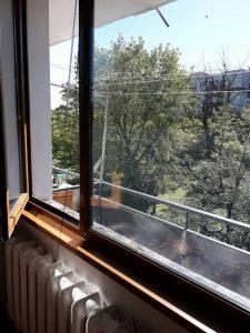Почистени дограми и стъкла на прозорци.