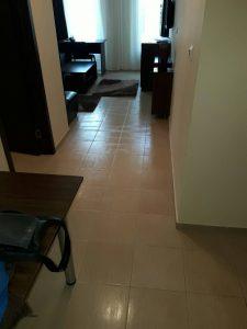 Почистен апартамент - под, мебели, прозорци, изпрани килими.
