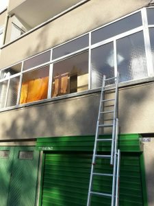 Остъкление на тераса - почистено.