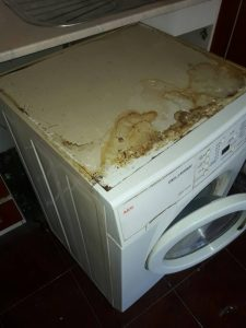 Пералня - преди почистването.