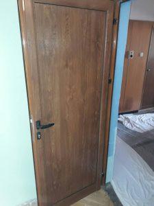 Полирана врата.