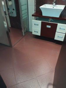 Почистена баня в апартамент в Пловдив.