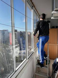 Остъклена тераса до Панаира в Пловдив - почистване.