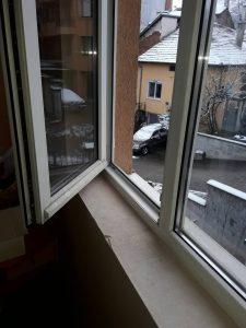 Прозорци - преди почистване.