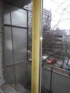 Силно замърсена дограма в апартамент на бул. България в Пловдив.