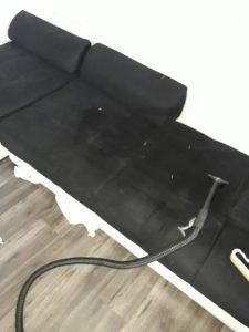 Машинно изпиране на диван.