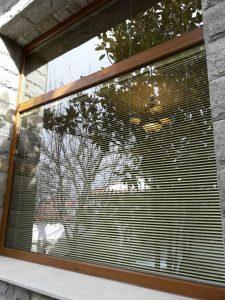 Почистени дограма и стъкла след ремонт.