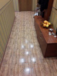 Абонаментно почистен коридор.
