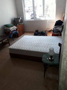 Почистена спалня.
