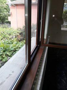 Почистени след ремонт прозорци.