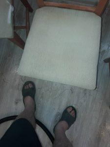 Пране на тапициран стол.