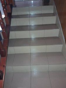 Почистено стълбище след ремонт.