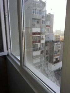 Замърсени при саниране прозорци.