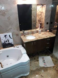 Баня - почиствана редовно.