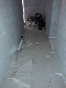 Замърсен при строителна дейност гранитогрес.