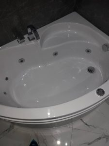 Почистена вана.