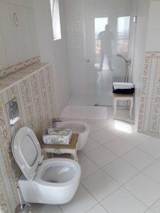 Почистена баня в с. Белащица.
