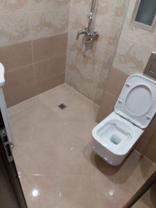 Почистени баня и санитарен възел.