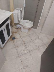 Зацапана баня и санитарен възел след ремонт.
