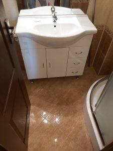 Почистена баня на новопостроен дом.