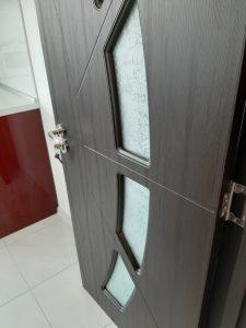 Почистена интериорна врата.