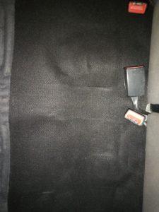 Изпрано с машина силно замърсяване на седалки на кола.