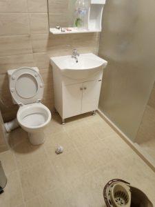 Нова баня, непочистена.
